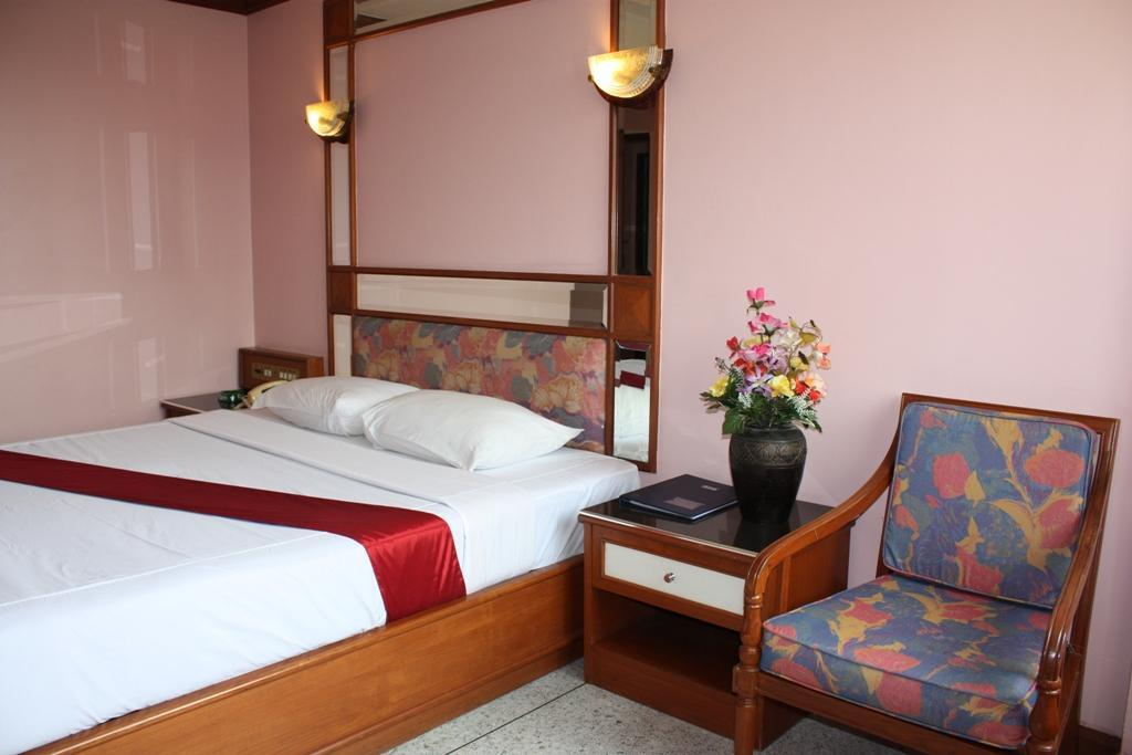 Bangkok Hotel Rates appx. $44/Night only in Royal Asia Lodge, Sukhumvit area
